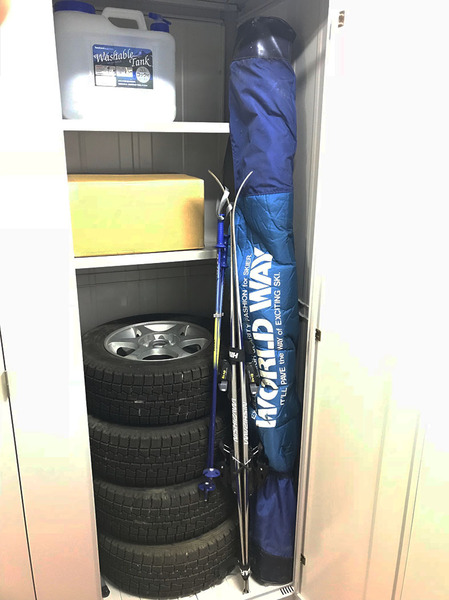 3,200円の トランクルーム スノータイヤ スキー板 収納画像.jpg
