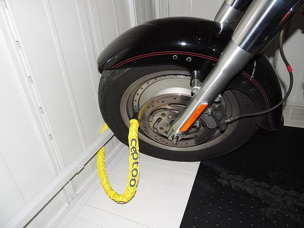 バイク収納庫内ホイールロックバー-1-小.jpg